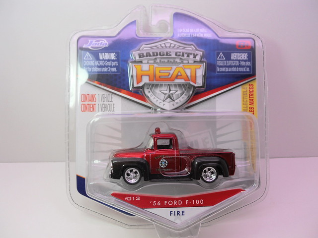 jada toys badge city heat wave 2 '56 ford f-100 fire (1)