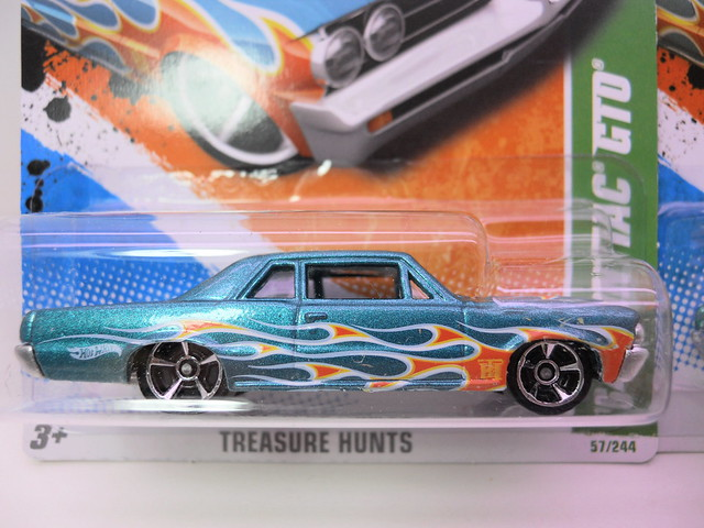 hot wheels treasure hunt '54 pontiac gto super regular (2)