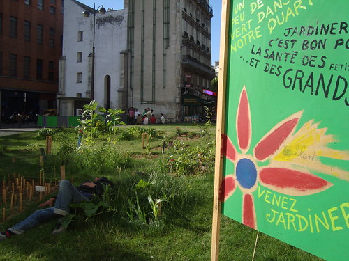 Paris street community garden