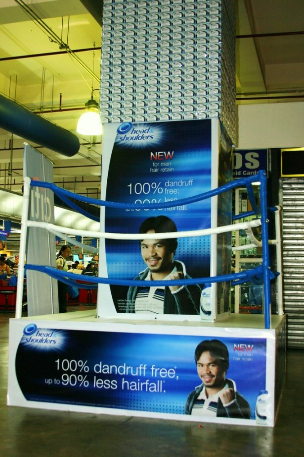 The boxing ring-island display of Head & Shoulders For Men Hair Retain with its new endorser, Manny Pacman.