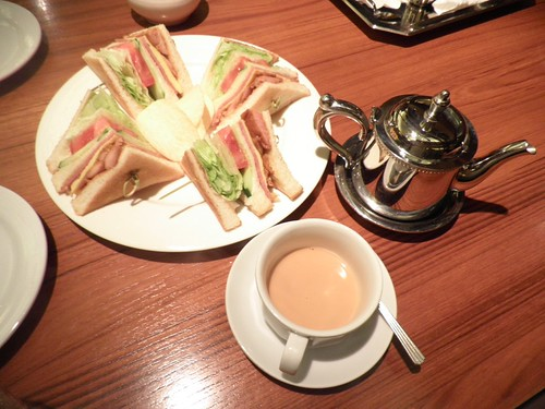 米朗琪_伯爵奶茶+總匯三明治