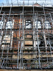 manchester building scafold (by dyedinthewool)