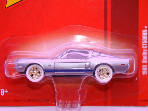 Johnny Lightning 1968 Shelby GT500KR white lightning (2)