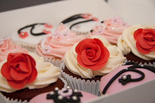 Cirencester Cupcakes - Rococo style cupcakes