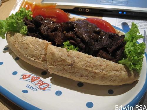 Black pepper beef sandwich