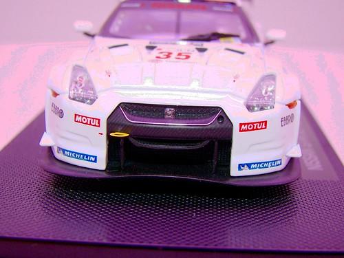 EBBRO NISSAN GT-R GT1 2009 SILVERSTONE (3)