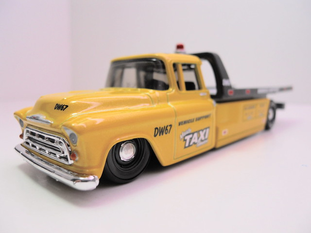 maisto allstars elite transport '57 chevy transport scion xb taxi (4)