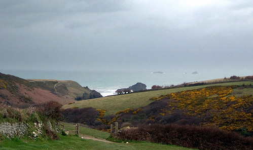 The path down to Porth Meor / Park Head