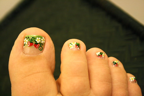 Cocok's Strawberry Pedicure