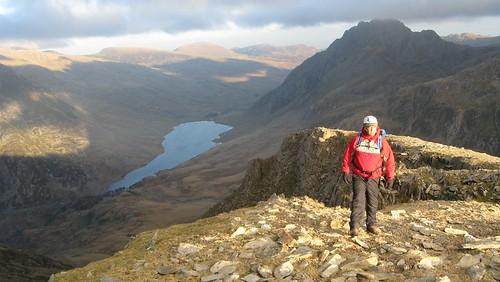 Juggs 'trogging' up to the summit of Y Garn