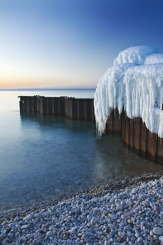 Photo Friday: Icy Contrasts by ETCphoto