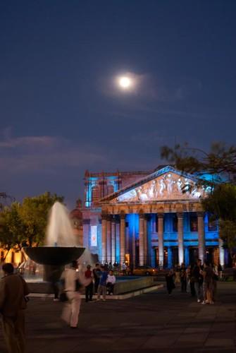 Luna y Teatro
