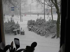 Defora està nevant!