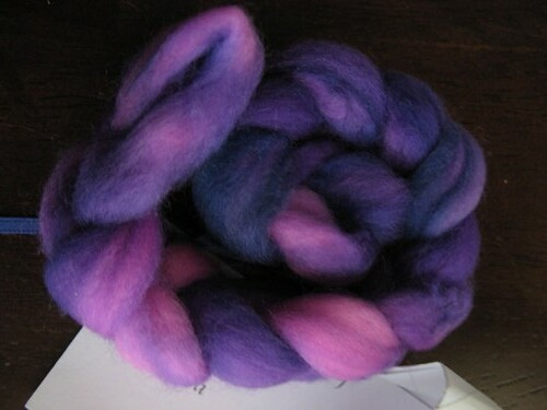 """Venetian Mask"" merino - Sheepy kitty"