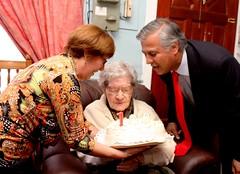 Celebran a senescente de 103 años