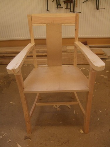 Current design of the chair Olly is building.