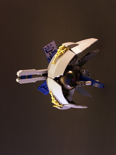 Crescent Mooner (by Legohaulic)