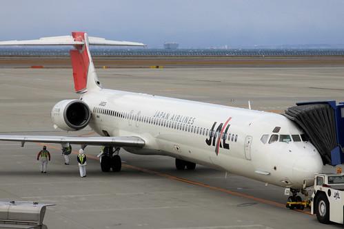 JAL MD-90-30(JA8029)