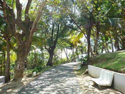 Walk to the lighthouse in Maunabo