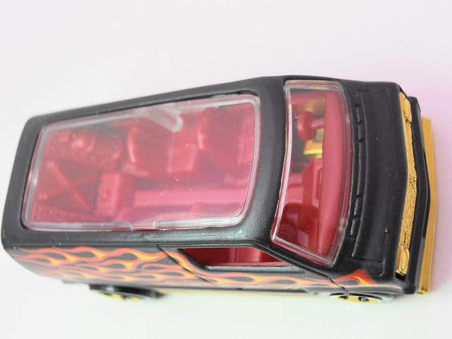 hot wheels custom '77 dodge van blk flames (4)