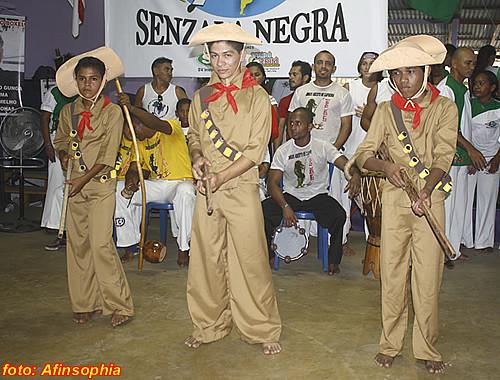 Capoeira Senzala Negra 22 por você.