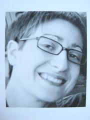 Chiara Valerio, La gioia piccola d'esser quasi salvi, nottetempo 2009: progetto grafico Dario e Fabio Zannier; cop.: Fabio Zannier. Q. di cop. (part.), [ritr. fotog. b/n dell'autrice]