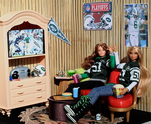 Barbie & Cole Cheer On The NY Jets