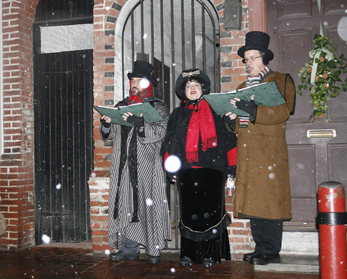 Carolers on Elfreth's Alley