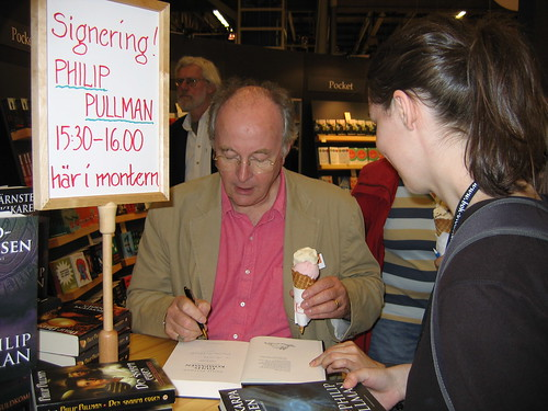 Philip Pullman (and ice cream) signs
