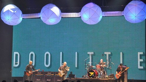 20091201 - Pixies concert - 0 - full band - (by BobHayes@flickr) - 4153720847_8b8636438a_o