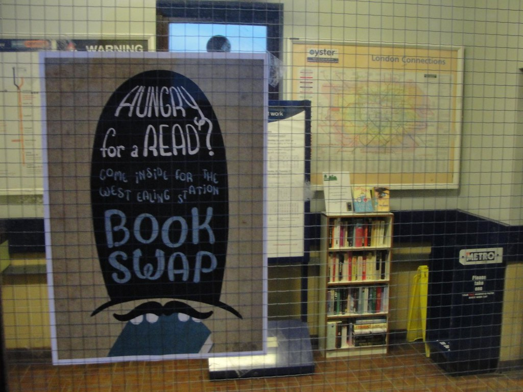 """Résultat de recherche d'images pour """"Book swap london tube"""""""
