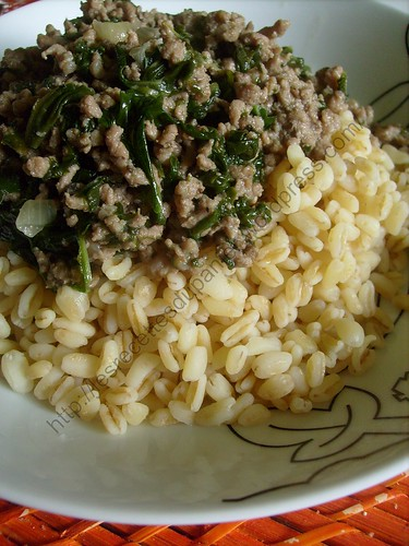 Epinards et viande hachée à l'orientale / Oriental spinach and minced meat dish