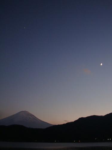 富士山 三日月 河口湖