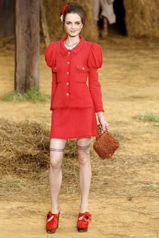 chanel-spring-2010-ready-to-wear-08