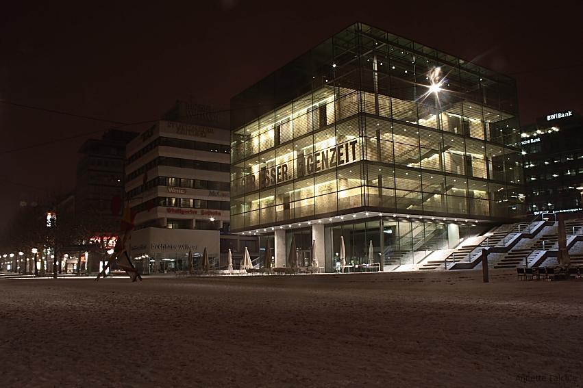 Stuttgart - Kunstmuseum im Schnee