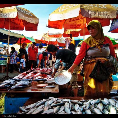 tamu Kinarut {Kinarut weekly bazaar}