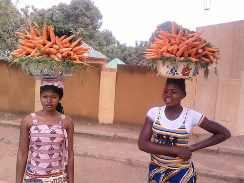 vendeuses de carottes à Ouaga