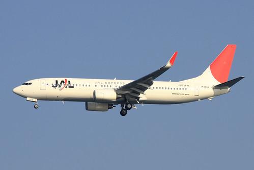 JAL B737-800(JA323J)