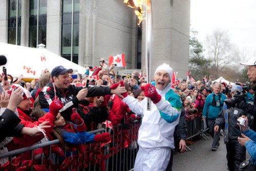 vancouver-city-hall-torch-9798