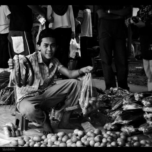 Vegetables seller at the tamu at Putatan