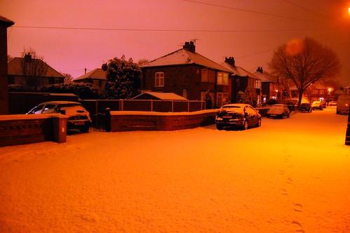 Glow 'n' Snow