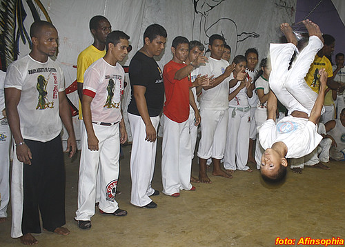 Capoeira Senzala Negra 53 por você.