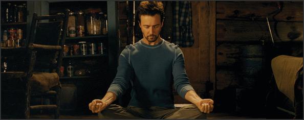 Edward Norton controlando a su ser interno en 'The Incredible Hulk'