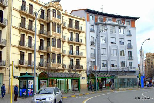 Edificios en la Plaza de las Merindades