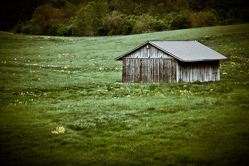 Barn in the Valley