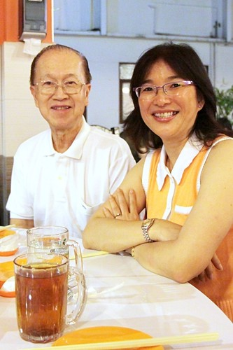 2009.11.20-21 024 Principal Lawrence Wong and Roseline