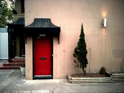 I love a red door
