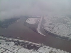 Landing in Snowy St Louis