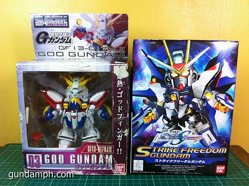 SD Archive God Gundam (4) Out Of Box Review