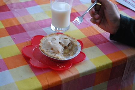 Apple pie and milk